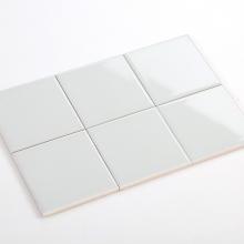 Gạch thẻ ốp tường màu xám nhạt bóng phẳng 100x100 M1102