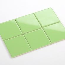 Gạch thẻ ốp tường vuông xanh lá cây bóng phẳng 100x100 M1106