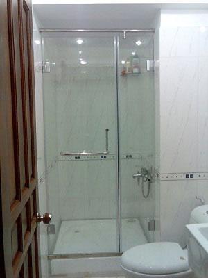 Phòng tắm vách kính Kato Việt Nhật VK03